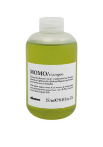 MOMO shampoo to retain moisture and shine